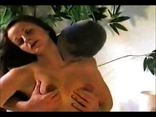 怪物混蛋extrem打開屁股漏洞瓶在肛門