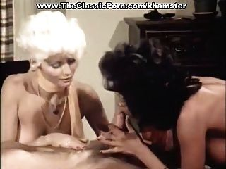 三人行色情影片與復古色情明星