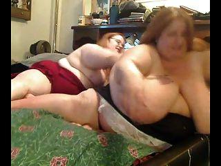 角質肥胖肥胖女同性戀者互相玩耍