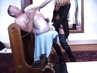 麗莎柏林,女王的德國錶帶,硬他媽的她的奴隸