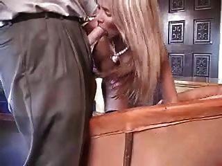 性感的業餘的妻子玩迪克