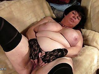 大titted老婆顯示她的老unt子