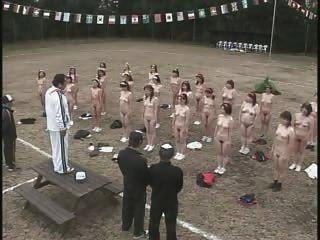 成熟日本婦女剝離和鍛煉