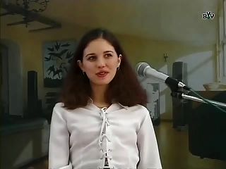 俄語ナイン研究所na kinoprobah場景1(gr 2)