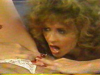蕩婦(1988年)完整的複古電影
