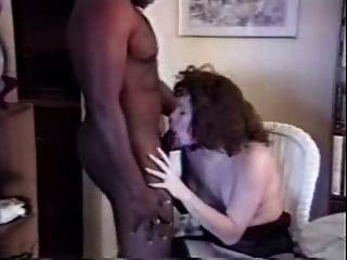 白色的妻子他媽的黑公牛在家裡