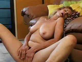 成熟女人手淫