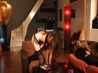 法國女傭lola bruna分析她的老闆a75