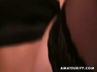 熱金發碧眼的業餘女朋友吮吸和他媽的面部