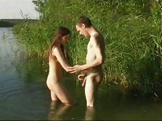 性別在河裡