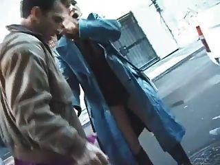 Akila bouachir defoncee par 3 mecs dans le vestiaire - 1 part 10