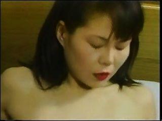 亞洲成熟享受年輕男孩