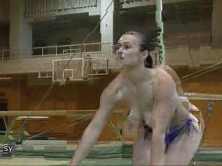 羅馬尼亞體操運動員裸體lavinia milosovici