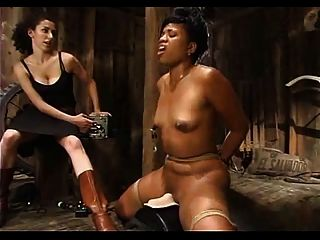 黑人女孩綁定無情的欺騙