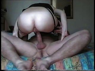 丈夫給妻子一個肛門奶油餡餅!