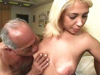 醜陋的老人他媽的金發