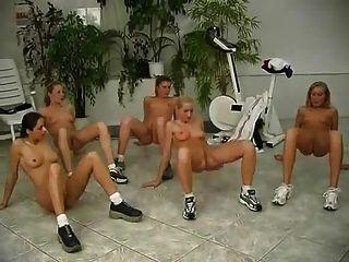 裸體健身房2
