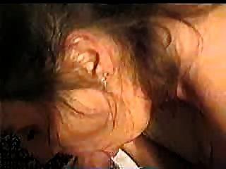 robin lynn得到她的臉和屁股上了!