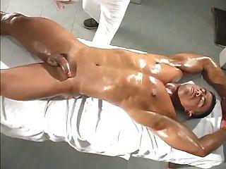 健美運動員按摩
