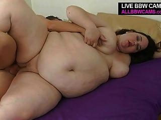 大fattie gal他媽的和吸吮胖乎乎的豐滿的山雀bbw