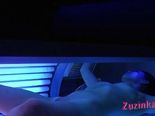 隱藏在日光浴室的相機!視頻