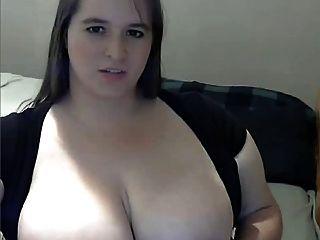 脂肪與大乳房手淫在網絡攝像頭