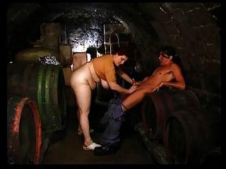 奧爾加東在葡萄酒庫