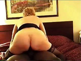 cuck的妻子和她的黑公牛