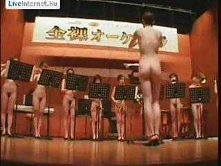 日本女孩裸體樂團