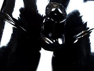 穿緊身乳膠褲和手套(乳膠視頻2.0)