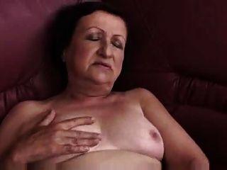 胖的奶奶戲劇和手指