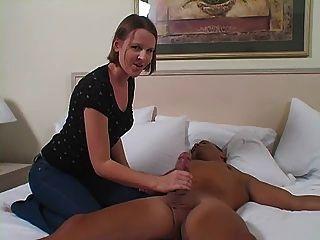 避風港先進的管理課使用她的助手