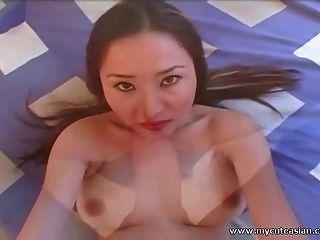 豐滿的亞洲業餘寶貝性交和faceized pov