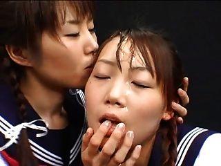 日本女孩暨玩和交換