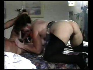 性感的媽媽n114毛肛門成熟milf與一個年輕人