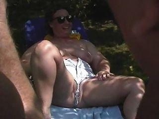 樂趣在裸體主義者集會25
