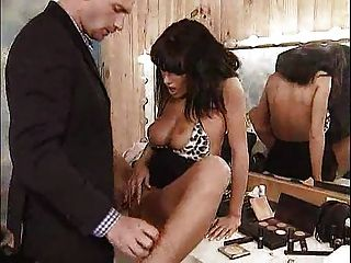 阿妮塔乾了在她的更衣室... f70