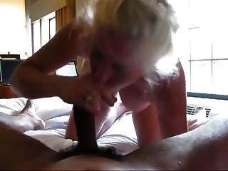 奶奶角質吸黑公雞