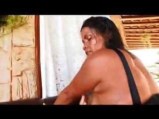 巴西媽媽與巨型屁股