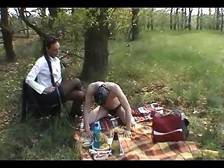 戶外奴隸訓練:靴子,奴役和打鞭