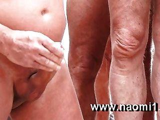 在海灘上的性別naomi1