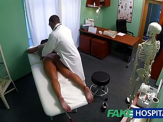 fuckhospital臟的milf性吸毒者被醫生亂搞