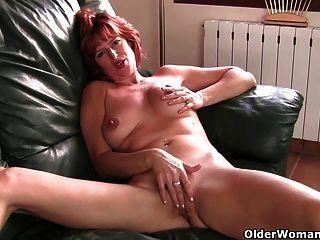 英國milf liddy手淫和獲取手指性交