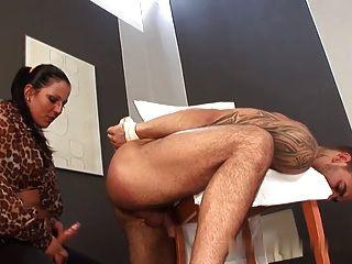女主人他媽的他的屁股
