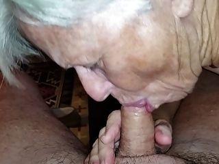 奶奶吸我的公雞