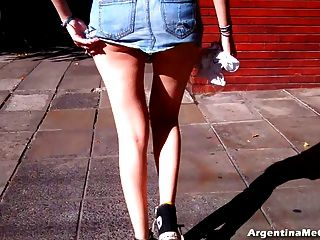 哇!也許有點太短裙子的街道!大屁股