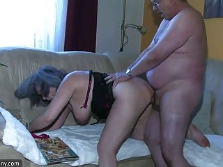 bbw胖子護士自慰與老奶奶