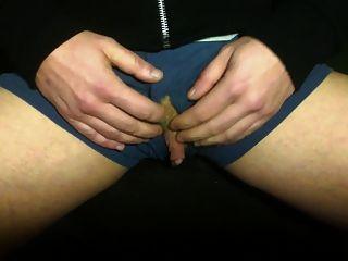 ftm clit公雞行程和陳列室在拳擊手內褲