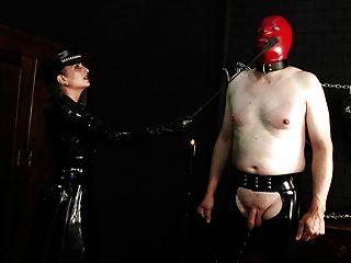 乳膠球酷刑