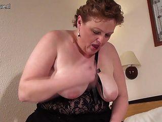大白色母親與飢餓的陰道